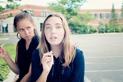 teen-girls-smoking-e-cigarettes