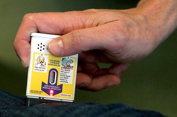 how to administer auto-injector naloxone for opioid overdose